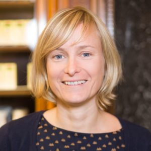 Adler Apotheke-Mitarbeiter Martina Strablegg